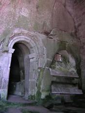 O cenobio rupestre máis famoso do occidente europeo
