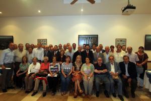 O vicepresidente da Xunta e o secretario xeral da Emigración coa colectividade galega de Bos Aires.