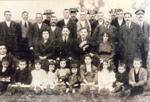 Entrega de premios na escola de Antas de Ulla, creada pola sociedade instrutiva Chantada y su partido, 1920.