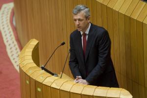 O vicepresidente da Xunta, Alfonso Rueda, durante a súa comparecencia no Pleno do Parlamento. Foto: Xoán Crespo