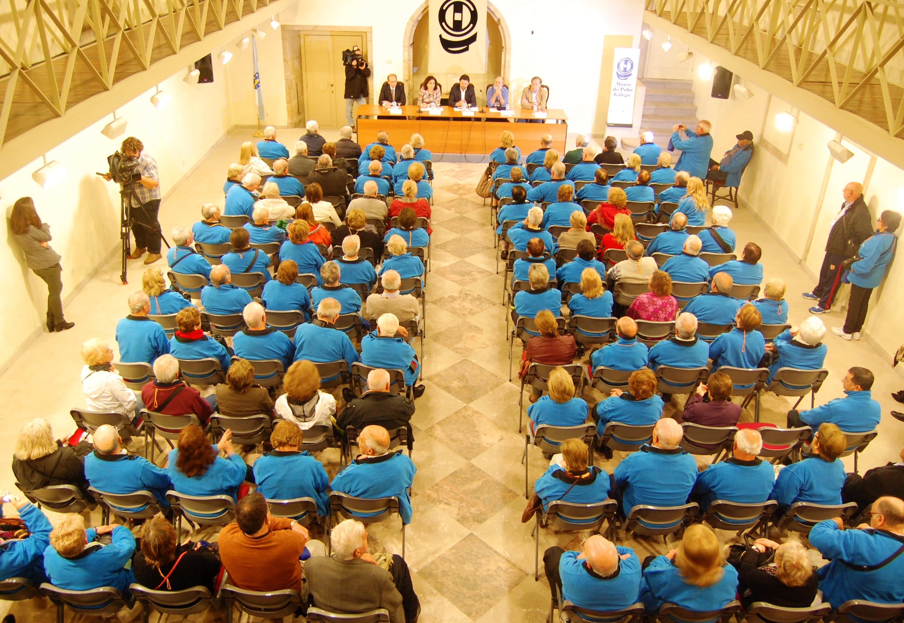 Fotos da recepción institucional no Museo do Pobo Galego (Santiago de Compostela) das e dos participantes no programa Reencontros na Terra 2014 da Secretaría Xeral da Emigración