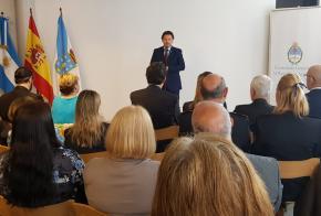 Miranda traslada la felicitación del Gobierno gallego al argentino en la celebración del 209 aniversario de la Revolución de Mayo durante un acto organizado por el Consulado en Vigo