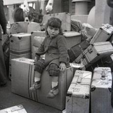 """Exposición """"Os adeuses. Fotografías de Alberto Martí"""", en la Casa Galicia de Nueva York"""