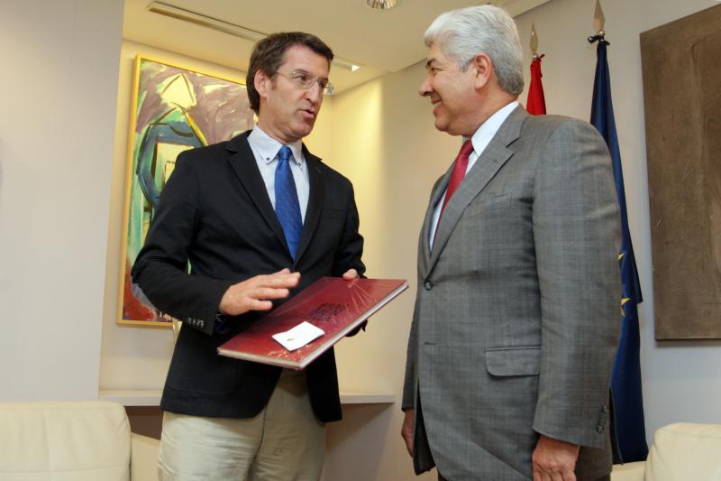 Feijóo con el embajador de Méjico en España, Francisco Javier Ramírez (Autor: Conchi Paz)