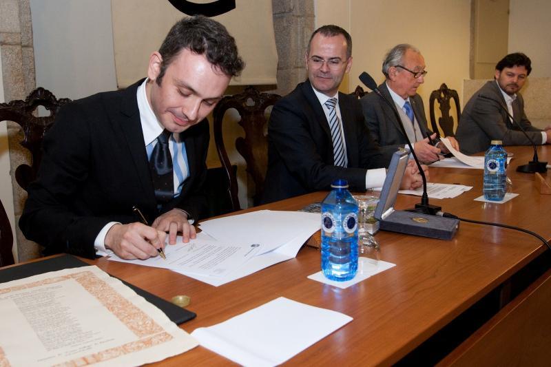 El conselleiro de Cultura, el secretario xeral da Emigración y los presidentes del Museo y del Centro Galego. Foto: Ana Varela.