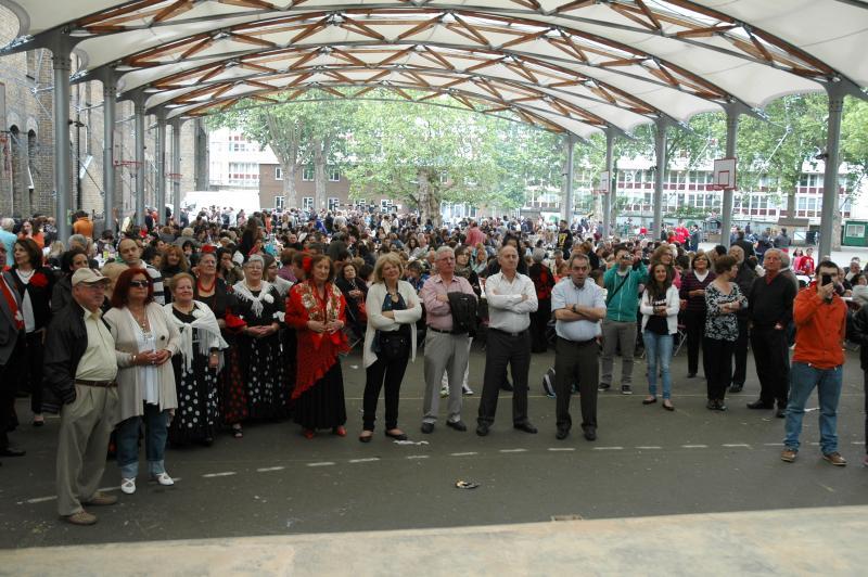 Imaxe do público asistente á xuntaza anual da colectividade galega no Reino Unido, celebrada no I. E. Vicente Cañada Blanch