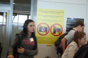 Imaxe da chegada das e dos participantes no programa 'Conecta con Galicia' ao aeroporto de Lavacolla (Santiago de Compostela)