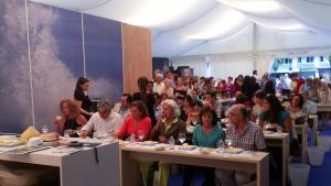 En la imagen, una de las catas de productos gallegos de calidad que se celebraron en el área expositiva de Galicia