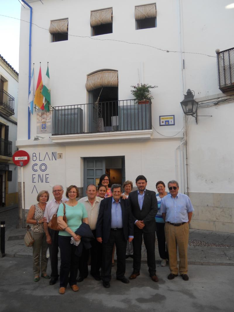 Miranda con la directiva y personas asociadas de la Casa de Galicia en Córdoba durante su visita a la entidad gallega el pasado mes de octubre