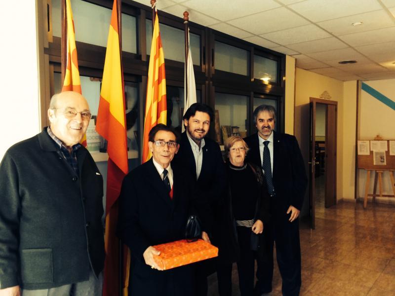 El secretario xeral da Emigración, con socias y socios del Centro Galego de Tarragona