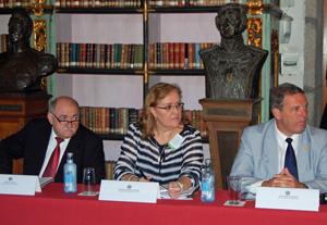 Cándido Lois, de Casa de Galicia de Montevideo, Mª Ángeles Rodríguez, da Hermandad Gallega de Venezuela, e Jorge Torres, do Centro Gallego de Montevideo