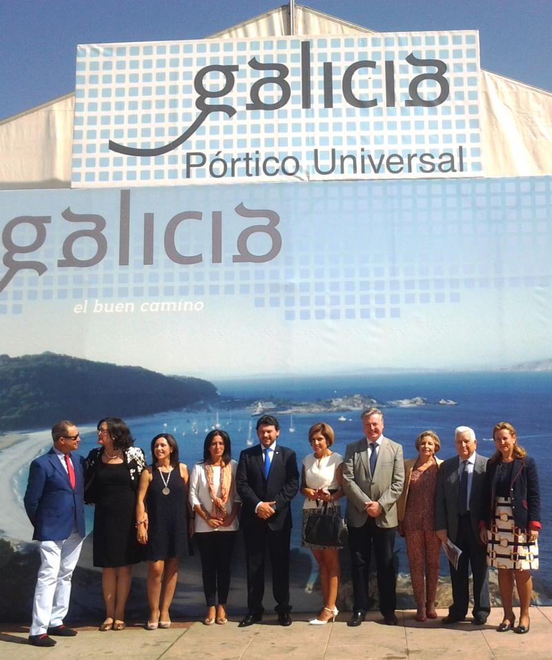 Autoridades locais e provinciais, socios e socias da Casa de Galicia en Córdoba e público en xeral, ademais do secretario xeral da Emigración, asistiron ao acto de inauguración desta mañá en Córdoba