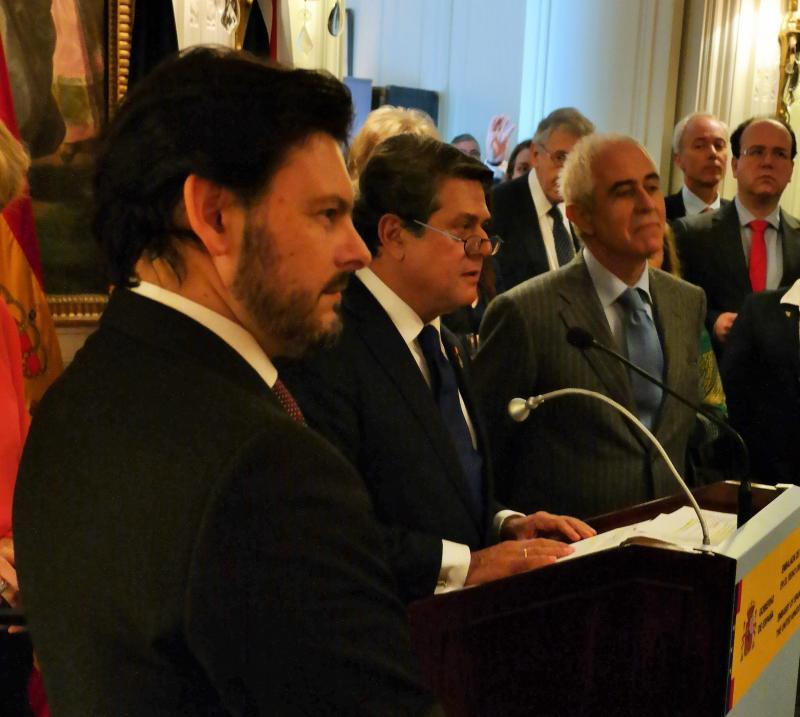 De esquerda a dereita: o secretario xeral da Emigración, o embaixador de España no Reino Unido e o director xeral de Migracións do Goberno de España