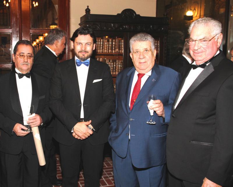 De esquerda a dereita: Gabino Iglesias (chanceler do Consulado Xeral de España en Porto Rico), Rodríguez Miranda, Tony Sánchez e Gómez Vilacoba