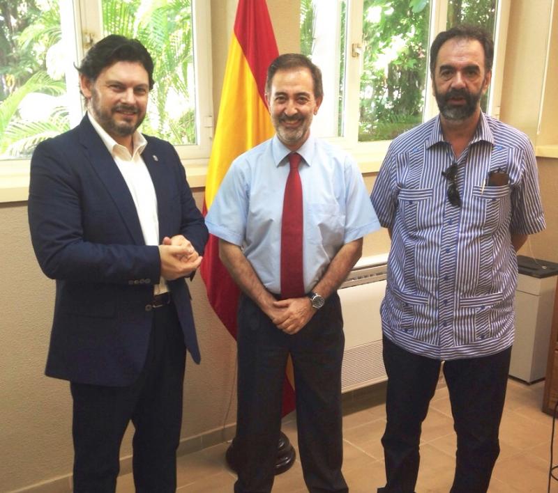 Miranda, o cónsul José Rodríguez Moyano, e o presidente da Asoc de Empresarios Galegos da República Dominicana (AEGARD) Eduardo Pahíno