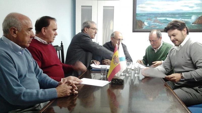 O secretario xeral da Emigración visitou as instalacións da comunidade galega nesta cidade madrileña, que entre as súas accións destaca polo labor divulgativo de Galicia nos colexios da localidade