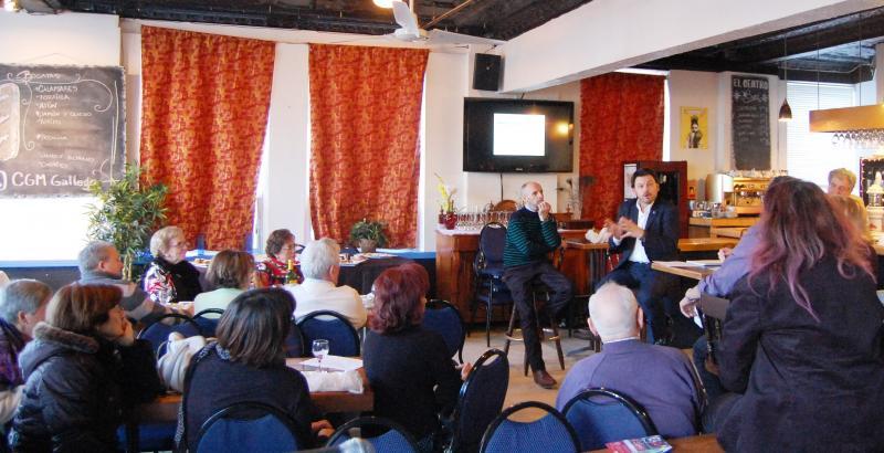 Imaxe da visita do secretario xeral da Emigración ao Centro Galego de Montreal