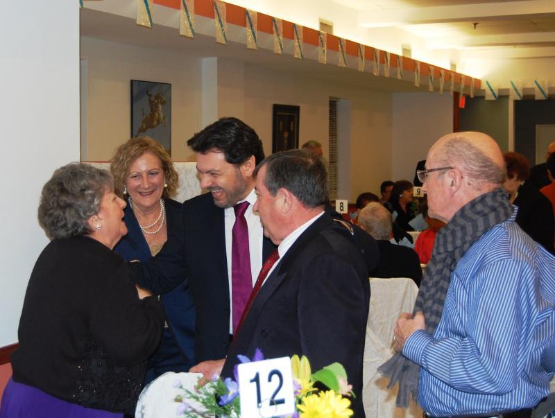 Imaxe da xuntanza do secretario xeral da Emigración coa colectividade galega en Toronto