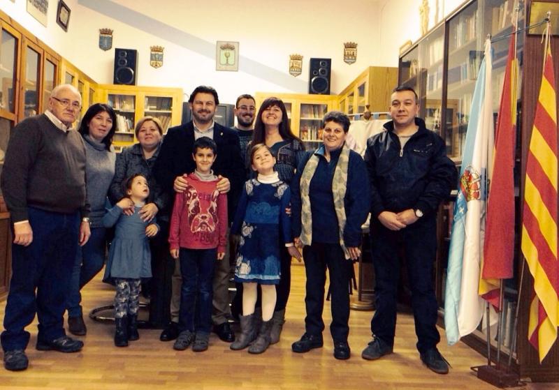 Miranda con las y los miembros de Rubí