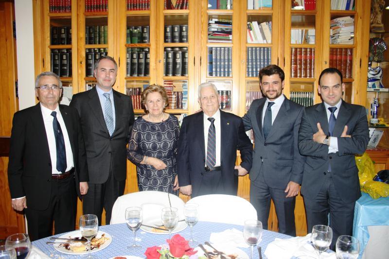 Alfredo Otero acompañado da Xunta de Galicia e o Concello de Sevilla