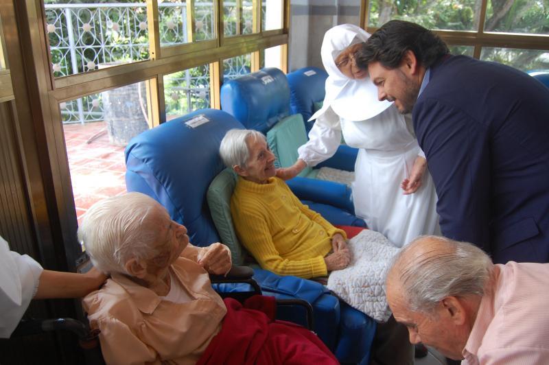 Miranda nunha recente visita ao Fogar San Xosé (Caracas)