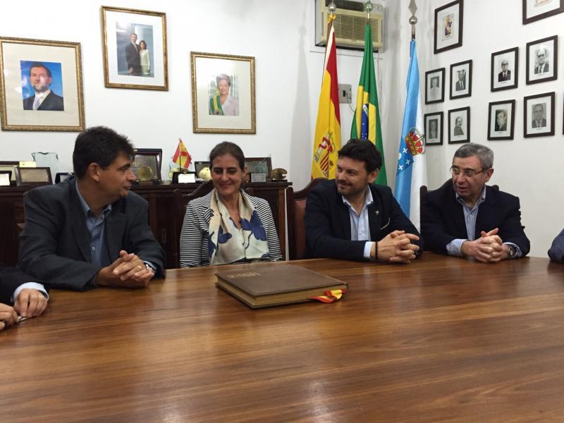Reunión na Casa de España coa súaa directiva. Alexandre Bouzon (Presidente), Celsa Nuño (Consul Xeral), Antonio Rodríguez Miranda e Pablo Figueroa