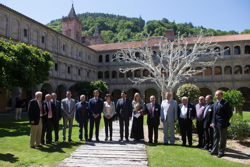 O presidente da Xunta de Galicia e membros da Comisión Delegada do Consello de Comunidades Galegas, no acto institucional de apoio á declaración da Ribeira Sacra como Patrimonio da Humanidade, por parte da Galicia Exterior