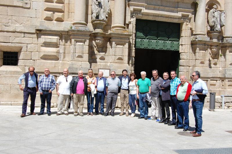 Na imaxe de onte, as e os membros da Comisión Delegada do Consello de Comunidades Galegas xunto co secretario xeral da Emigración e os dous subdirectores xerais do departamento que dirixe Miranda