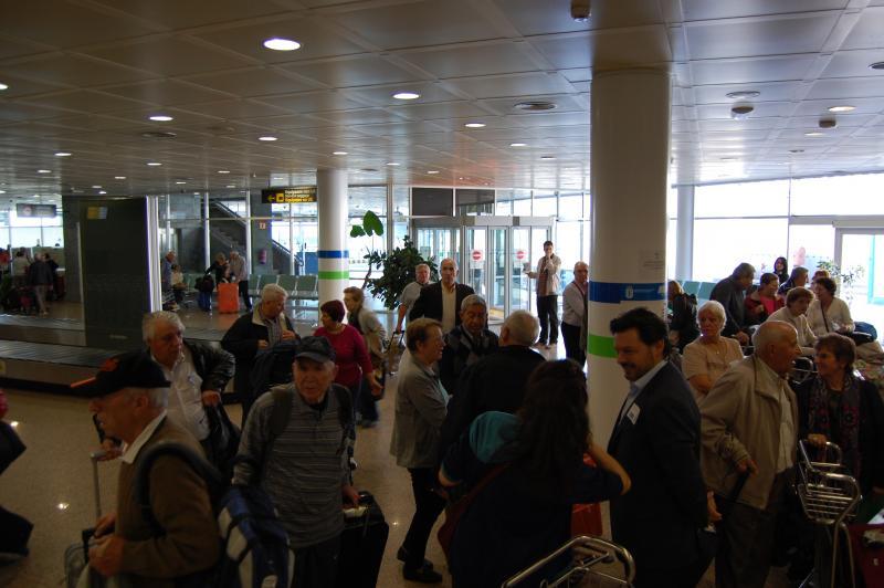 Imagen de la llegada de las y los participantes de Reencontros na Casa 2015, programa de la Secretaría Xeral da Emigración de la Xunta de Galicia