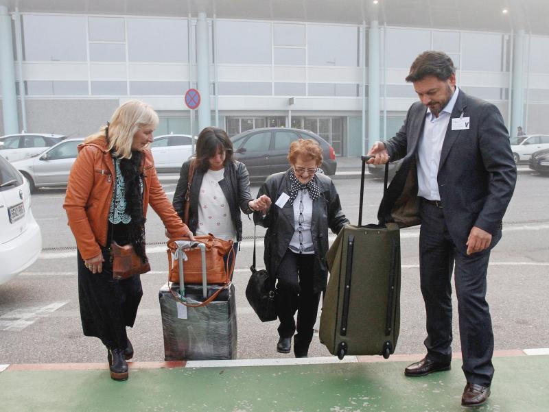 Imaxe da chegada desta mañá ao aeroporto de Peinador