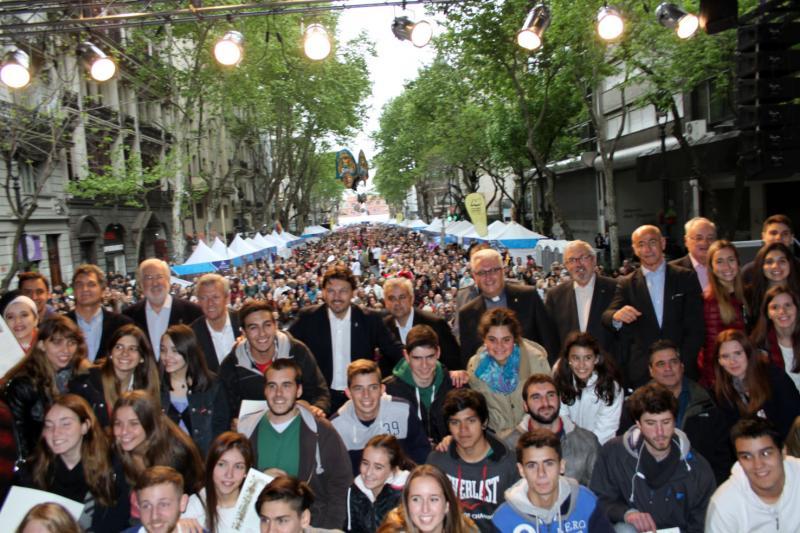 Os mozos e mozas do programa Conecta con Galicia 2015 recolleron as súas 'compostelas'