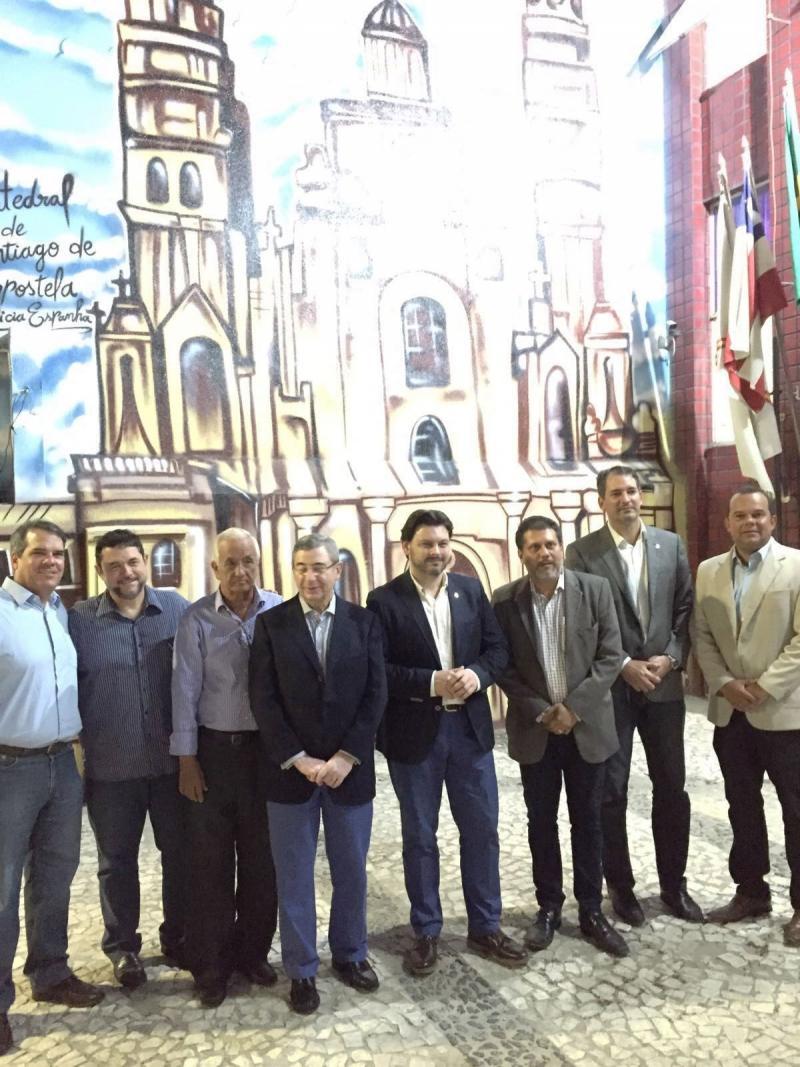 Miranda, durante su visita a la Asociación Cultural Caballeros de Santiago
