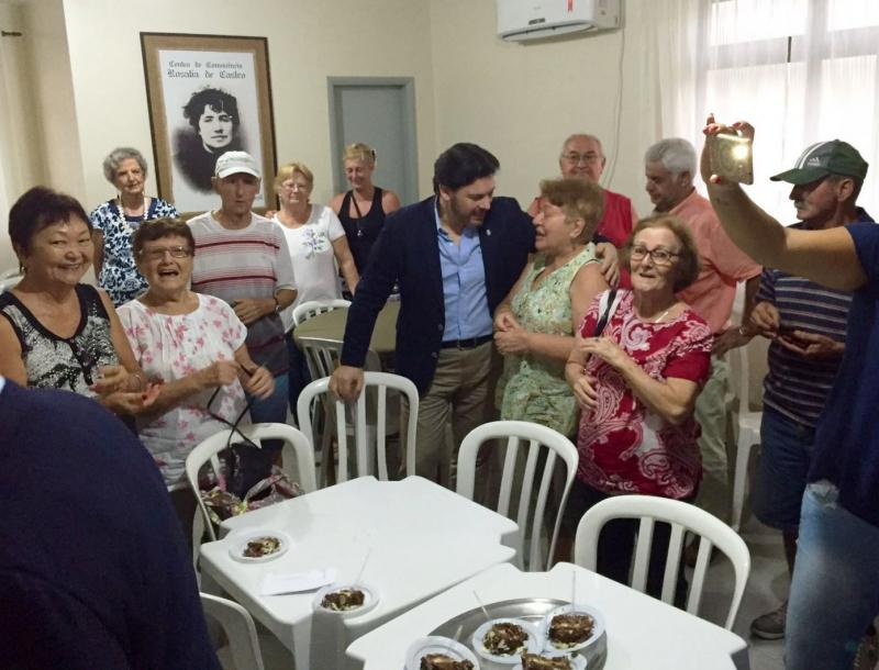 Visita de Miranda ao 'Centro de Convivencia Rosalía de Castro'