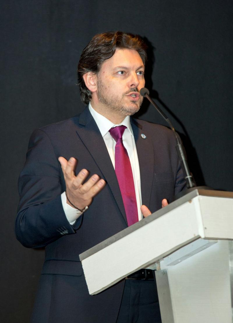 O secretario xeral da Emigración, Antonio Rodríguez Miranda, hoxe en Monçao