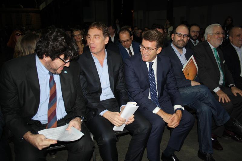 O titular do Goberno galego visitou o stand da Xunta de Galicia na Feira Internacional do Libro de Bos Aires
