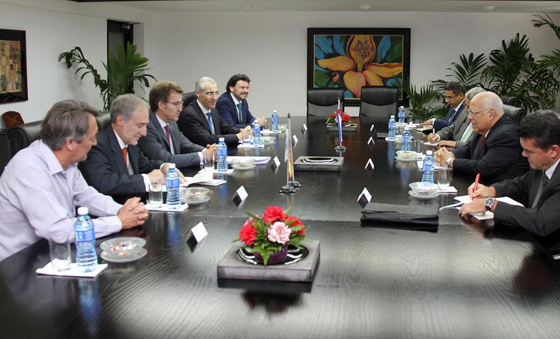 Alberto Núñez Feijóo mantivo unha xuntaza co vicepresidente do Consello de Ministros de Cuba, Ricardo Cabrisas