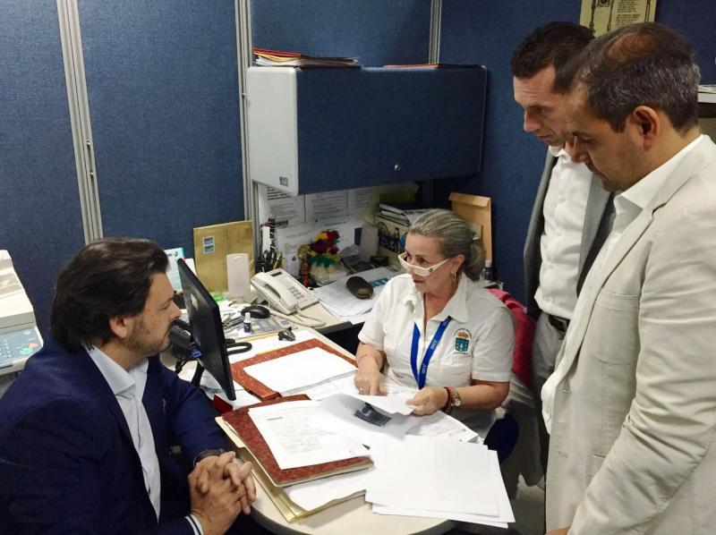 Miranda, durante o seu percorrido pola Oficina de Atención Social da Xunta de Galicia na 'Hermandad'