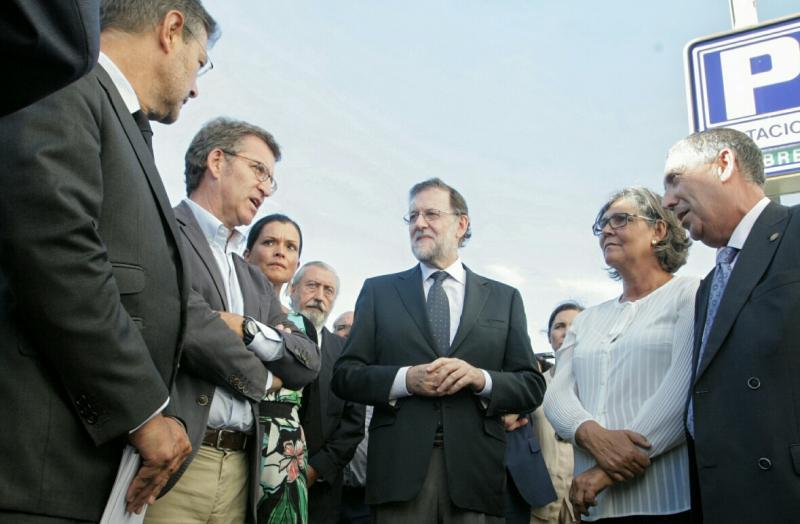 El presidente de la Xunta y el presidente en funciones del Gobierno visitan la zona del accidente ferroviario