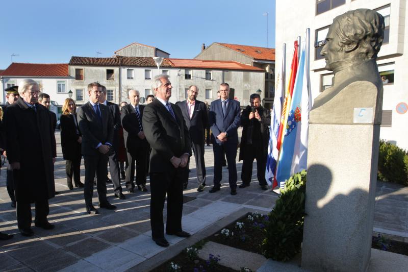 O presidente da Xunta, Alberto Núñez Feijóo, acompañou esta tarde ao presidente da República Oriental do Uruguai, Tabaré Vázquez, na ofrenda floral ante o monumento ao xeneral José Gervasio Artigas