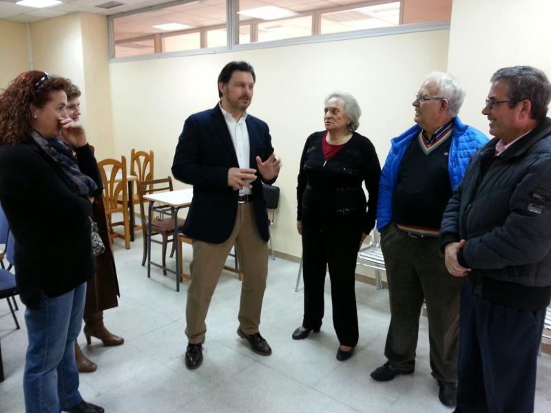Miranda, con miembros de la Casa de Galicia en Alcorcón