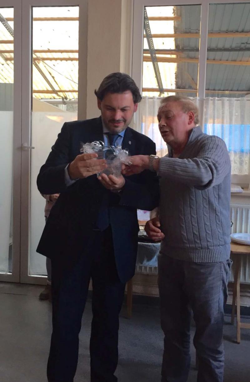Imaxe desta mañá da visita do secretario xeral da Emigración ao Centro Cultural Deportivo Galicia Emigrante 1972 de Gütersloh