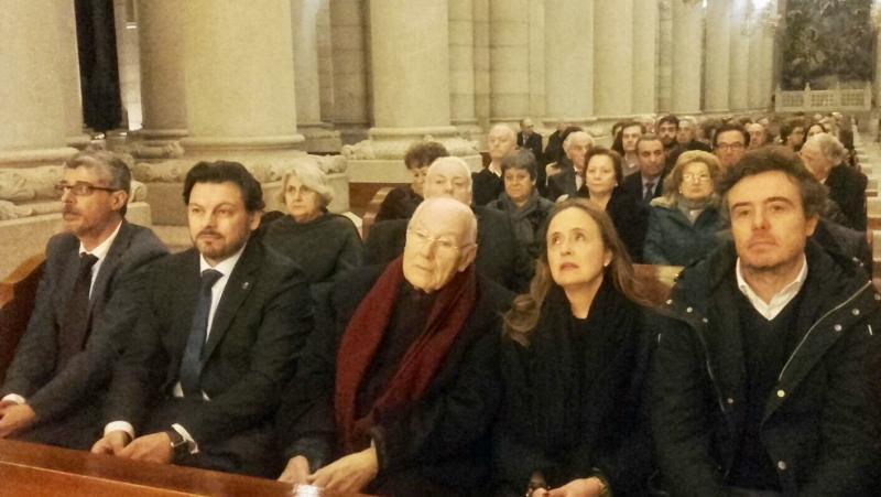 De esquerda a dereita: De la Campa, Miranda, Romay e Carmen e Fernando, fillos de Amarelo