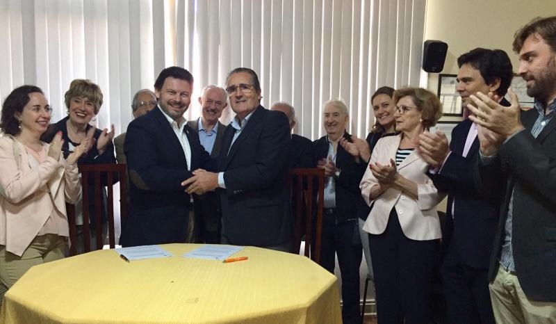 O secretario xeral da Emigración asinou un acordo de colaboración en materia social coa 'Sociedade Beneficente Rosalía de Castro' de Sâo Paulo