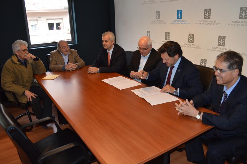 Imaxe da sinatura do convenio de colaboración coa Casa Galicia de Montevideo