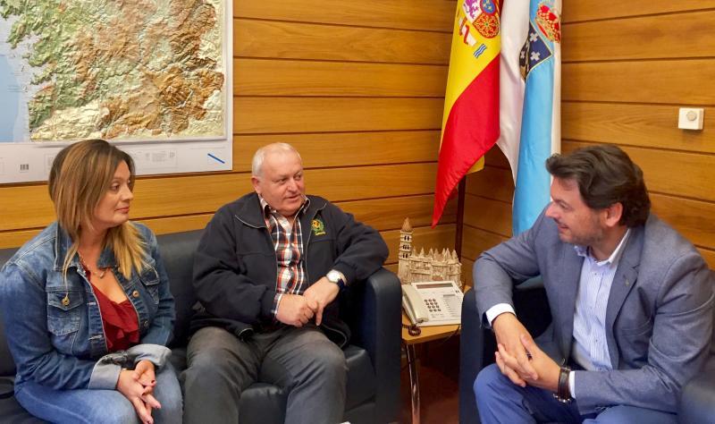 O secretario xeral da Emigración e o presidente do Centro Galego de Castelló 'O Aturuxo' analizaron a situación da colectividade galega na cidade da Plana e no resto da Comunidade Valenciana