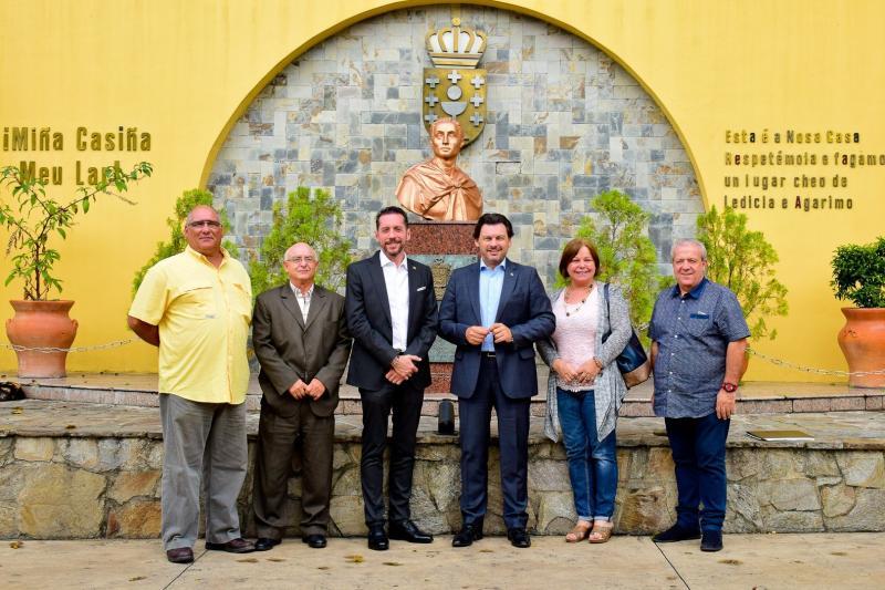 Imagen previa de la reunión de Miranda con los presidentes de las comunidades gallegas en Venezuela