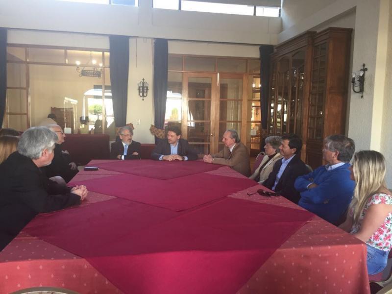 O secretario xeral da Emigración visitou á comunidade galega do Estadio Español de Valparaíso, entidade que agrupa setecentas familias nesta rexión chilena