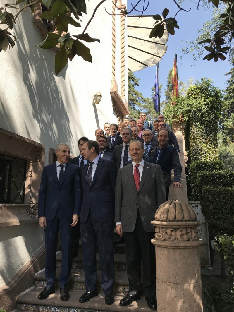 O conselleiro de Economía, Emprego e Industria, Francisco Conde, iniciou hoxe a súa axenda institucional en México cunha xuntanza co embaixador, José Luis Fernández-Cid