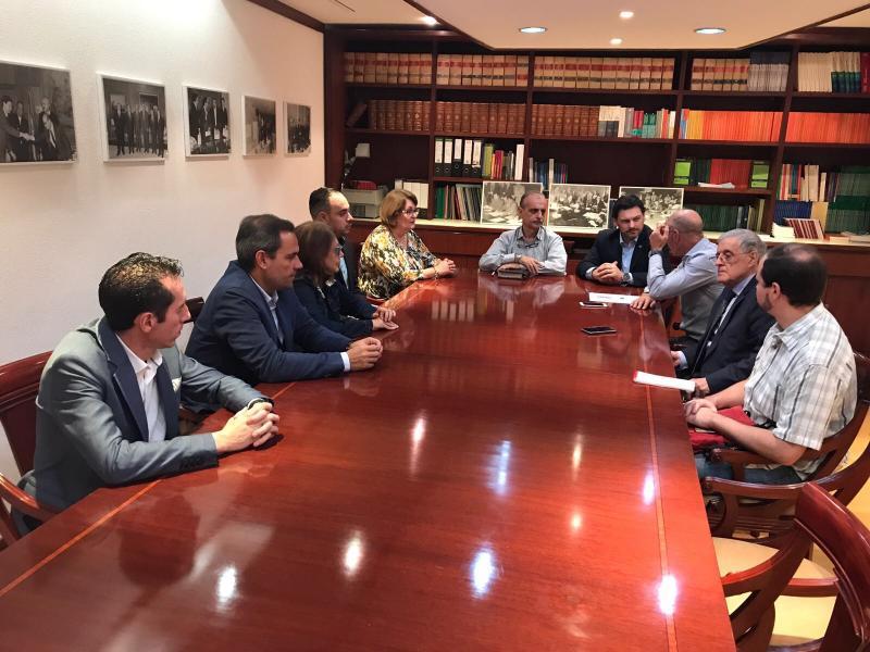 Miranda tamén se reuniu coas e cos membros do Consejo de Residentes Españoles (CRE) en Venezuela