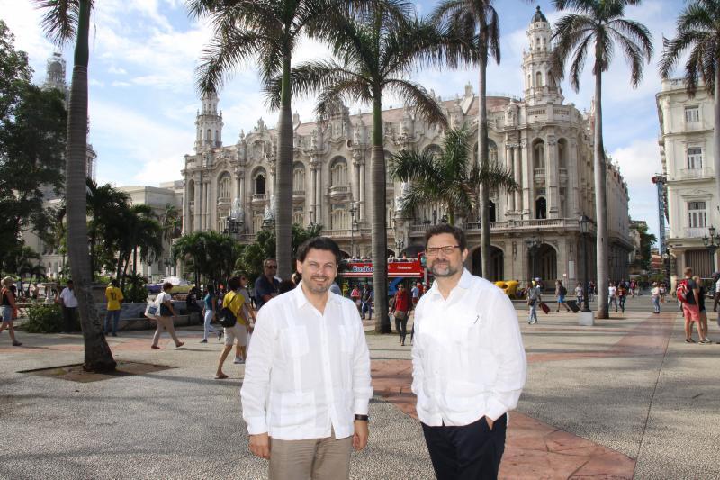 Na imaxe, o secretario xeral da Emigración, Antonio Rodríguez Miranda, e o embaixador de España en La Habana, Juan José Buitrago de Benito